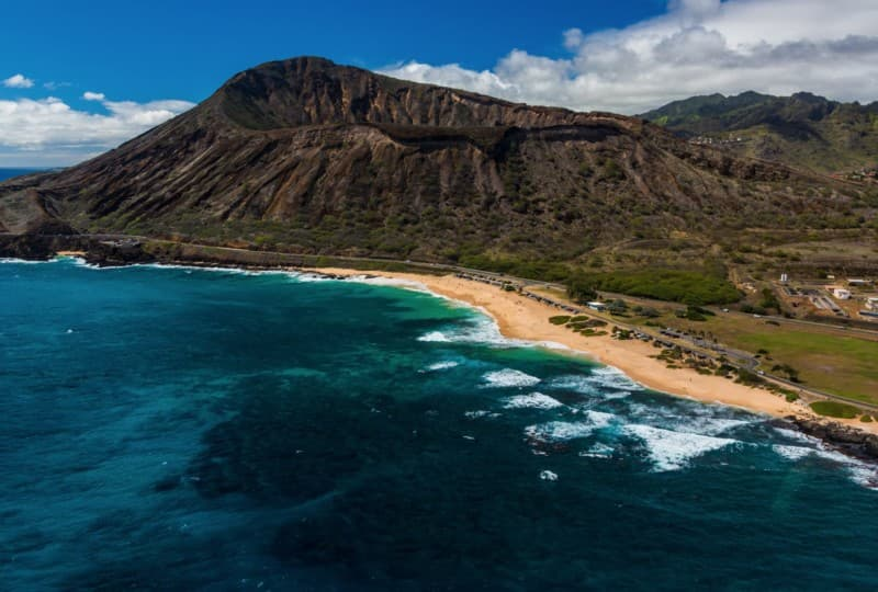 Aerial shot of Sandy Beach Park on O'ahu